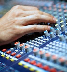 careers-smol-pics_audio-technician
