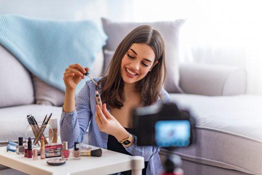 Vlogging Cosmetic Girl – BeOnAir M&S Media