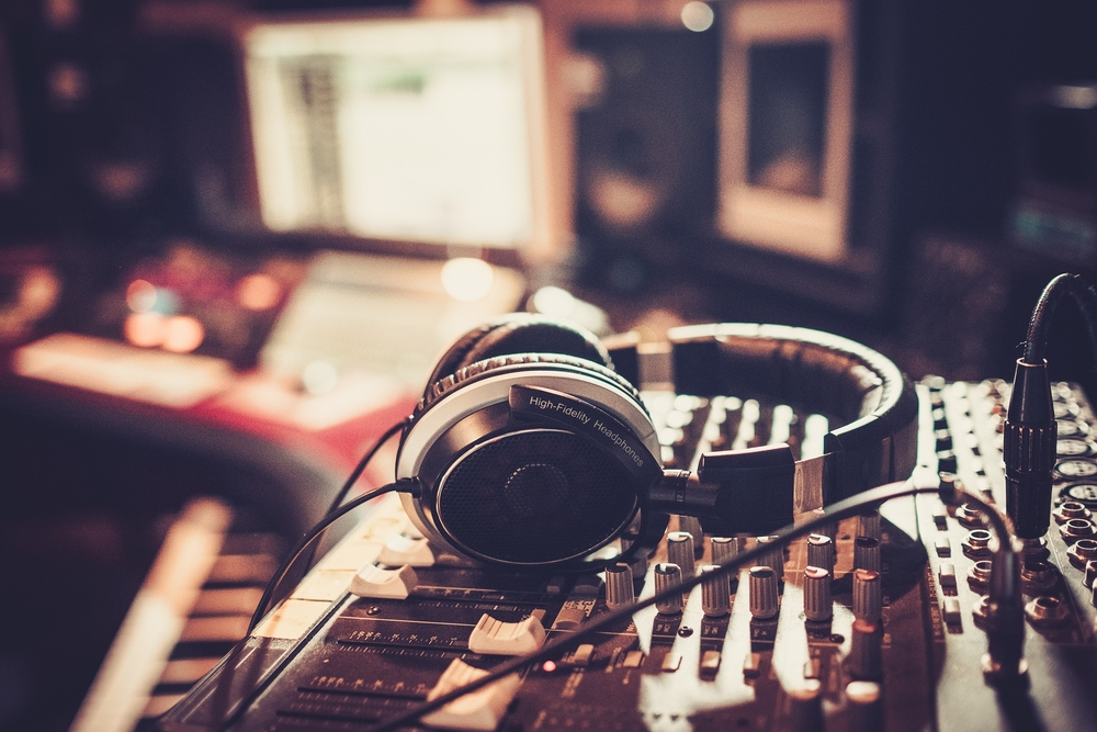 Close-up,Of,Boutique,Recording,Studio,Control,Desk.